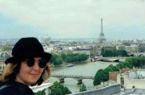 Kelly in Paris
